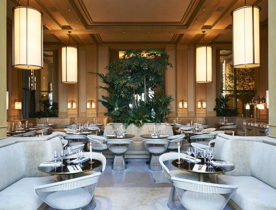 巴黎埃菲尔铁塔观景豪华西餐厅空间设计案例