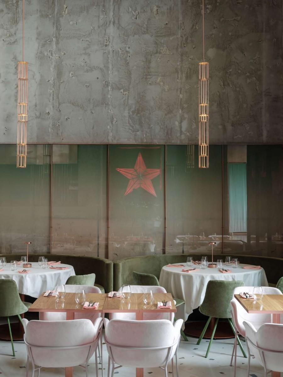 莫斯科粉红妈妈现代餐厅设计,柔和的天鹅绒和混凝土